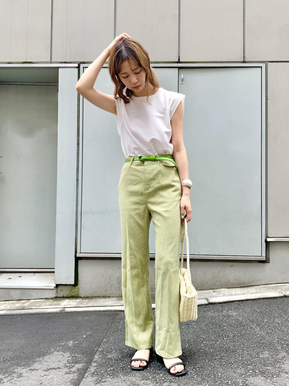 緑色のフレアパンツ大特集